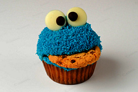 Cookie-monster-cupcake